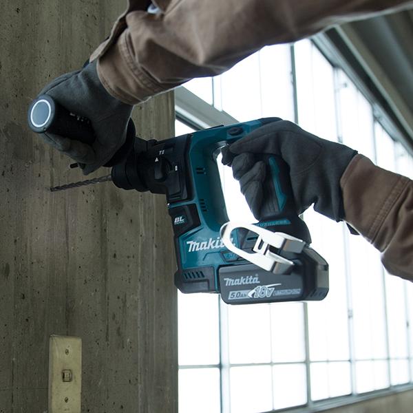 Máy khoan bê tông cầm tay dùng pin 17mm Makita DHR171RFJ